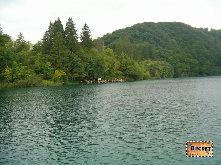Debarcader de pe lacul Kozjak din Parcul National Lacurile Plitvice