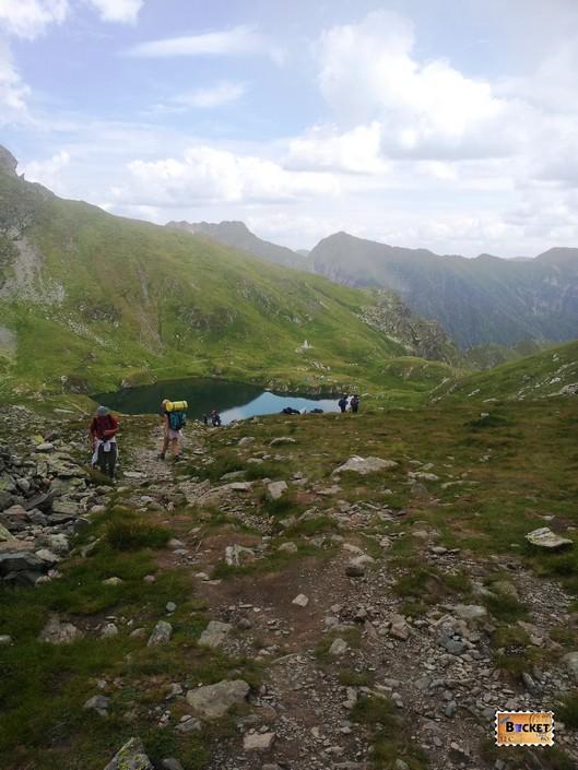 Lacul Capra de pe versantul de sud al masivului Făgăraș, cota 2230 m