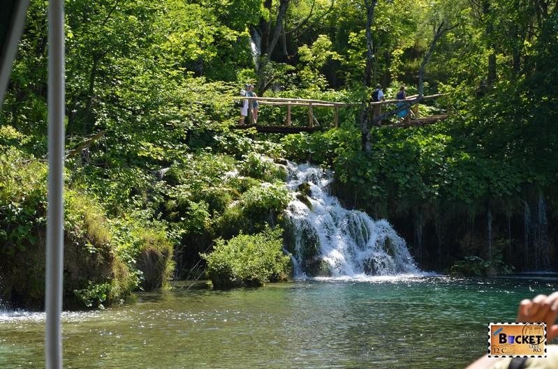 cascada lacul Kozjak din Parcul National Plitvice