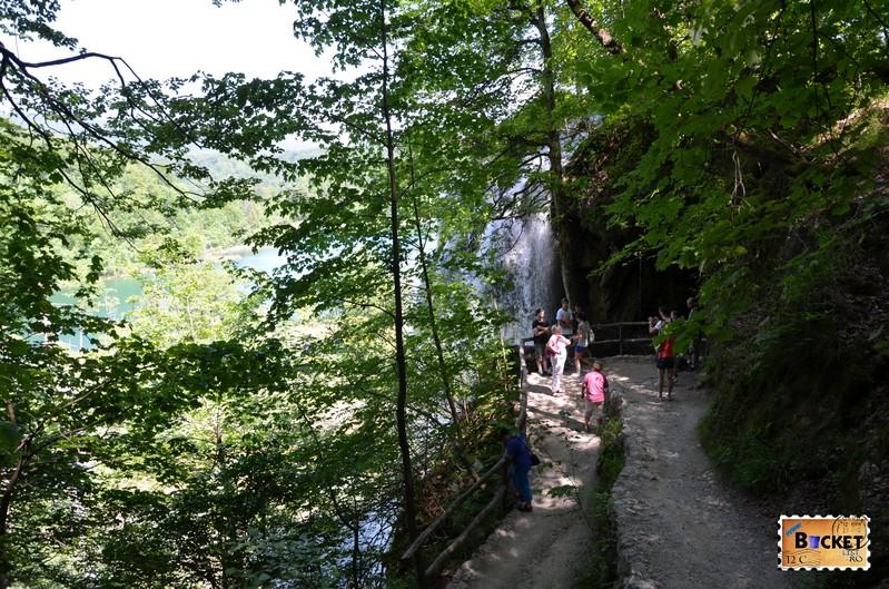 spre cascada Veliki Prstava
