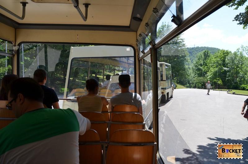 tren panoramic spre lacurile superioare Plitvice - Mercedes Unimog;
