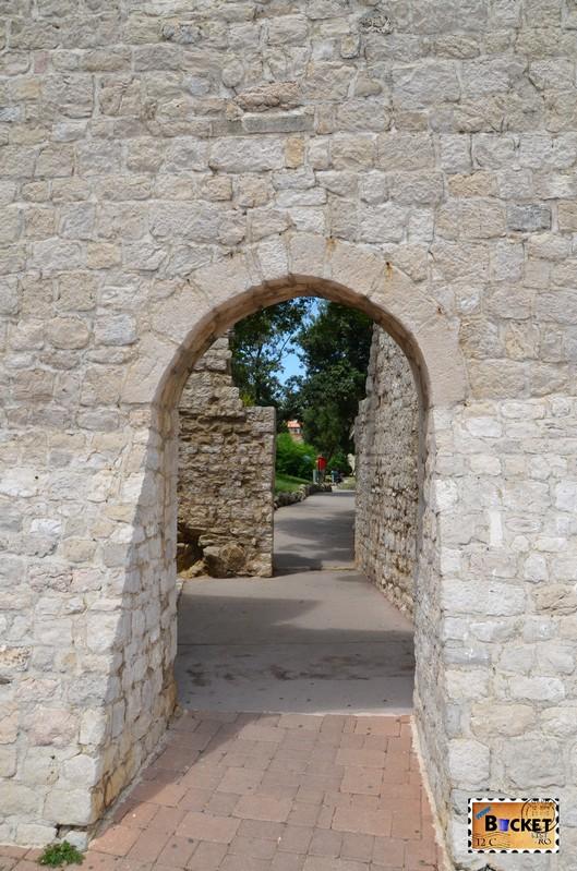 intrarea in orasul vechi Rab
