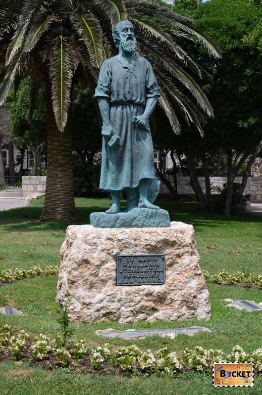statuia lui Sf Marin de  Aldo Volpi